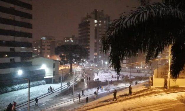 Bajas temperaturas en Brasil preocupan a los habitantes