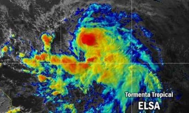 La tormenta se convierte en huracan, peligro en la costa Caribe