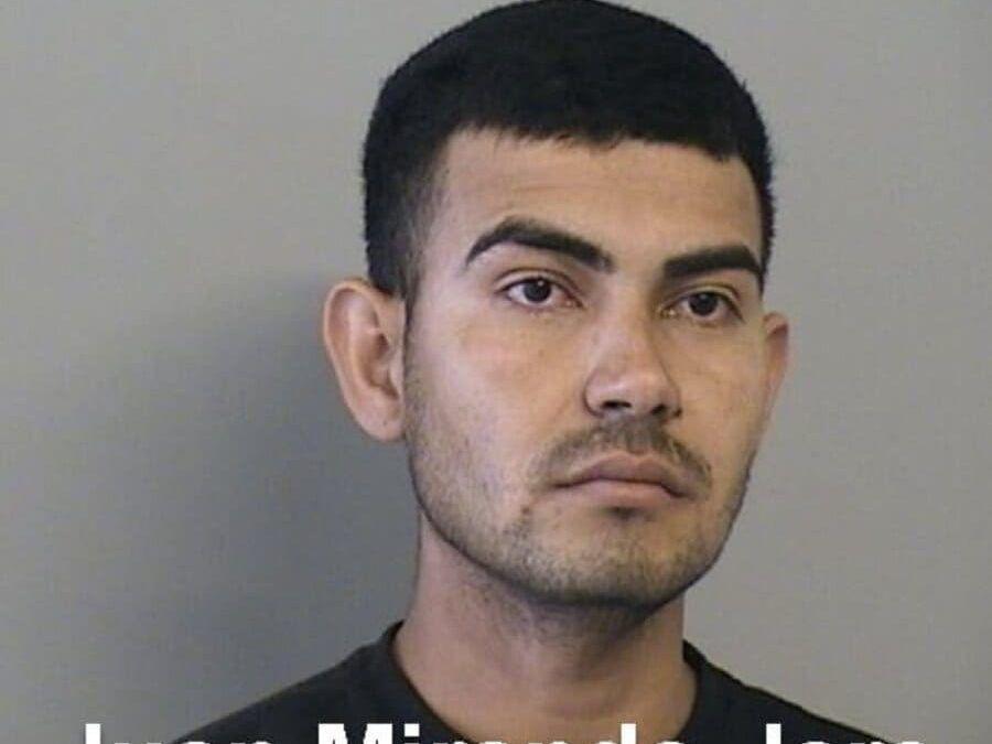 Hombre de 24 años detenido mientras llevaba a su novia de 12 años embarazada