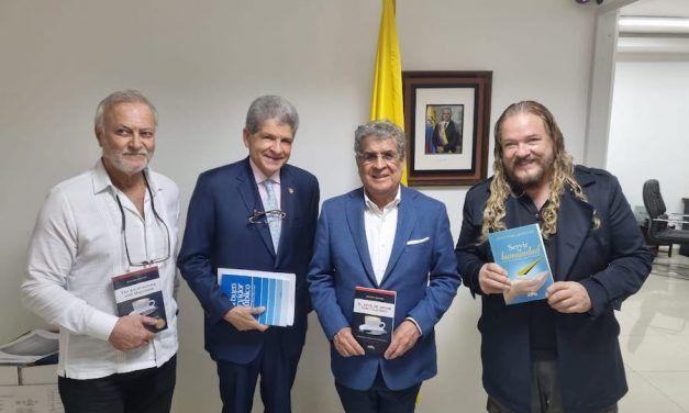 El escritor colombiano Jesús Neira Quintero se presentó con éxito en Panamá